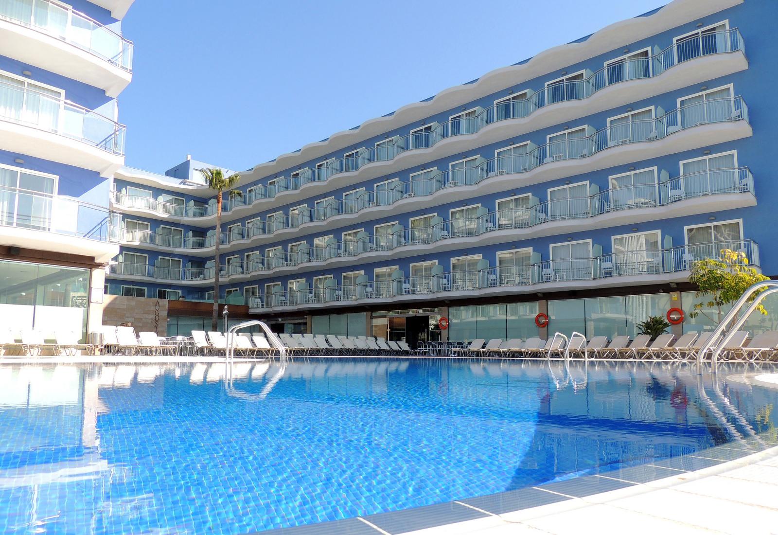 piscina viviendas turisticas vacacionales augustus